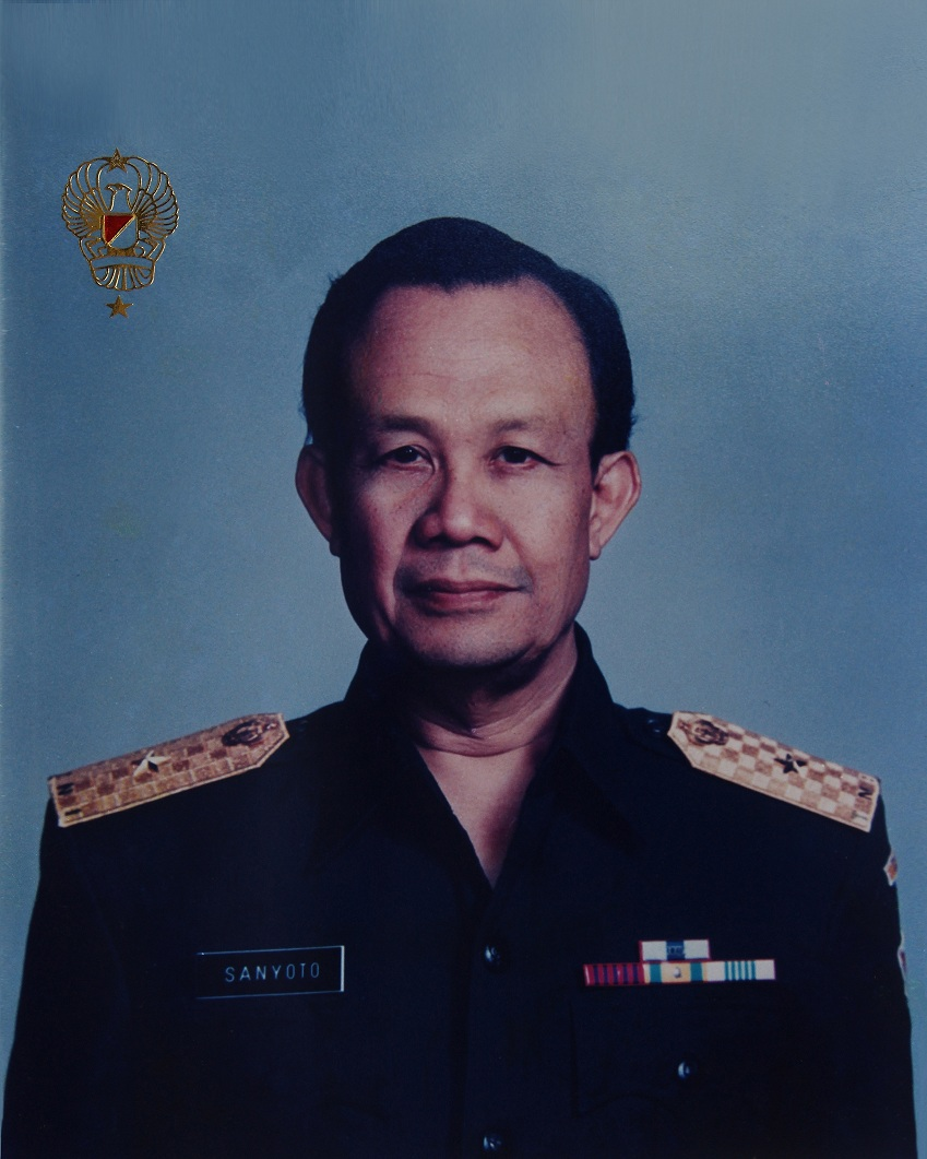 Profesor DR. dr. H. Sanyoto  Hardjowijoto, Sp. M
